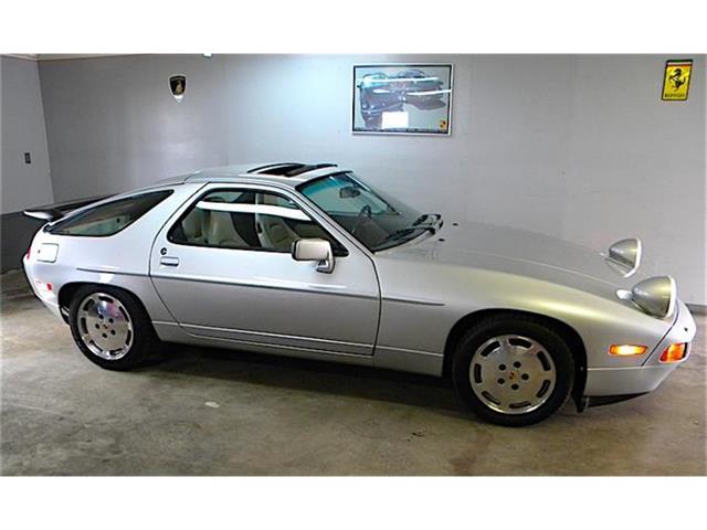 1987 Porsche 928 | 846466