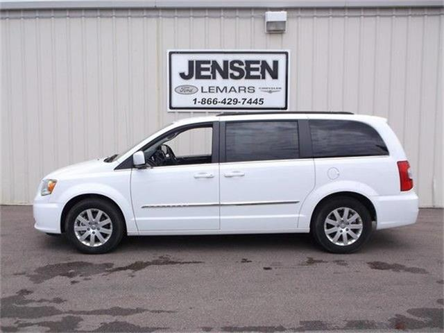 2015 Chrysler Town & Country | 848667