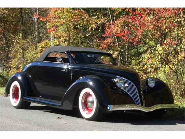 1939 Ford Convertible   852610