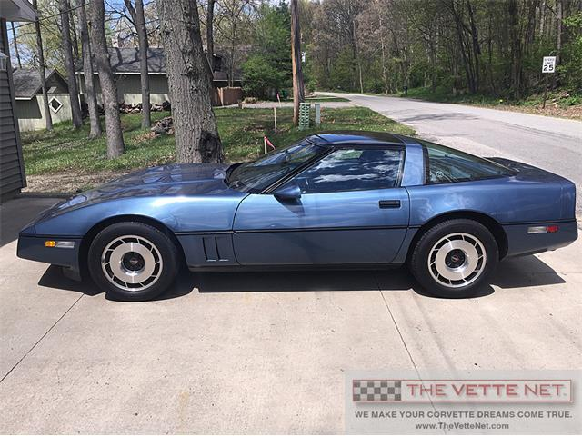 classifieds for 1984 chevrolet corvette 27 available. Black Bedroom Furniture Sets. Home Design Ideas