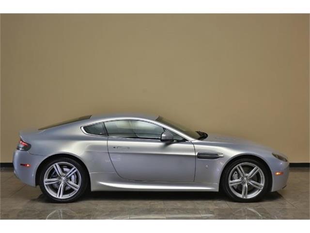 2010 Aston Martin Vantage | 854826