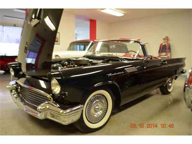 1957 Ford Thunderbird | 856024