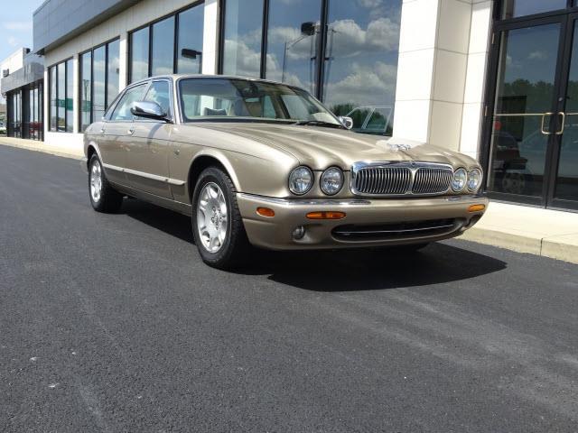 2003 Jaguar XJ | 857226