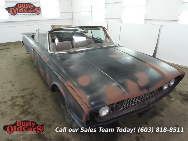 1960 Ford Sunliner | 857239