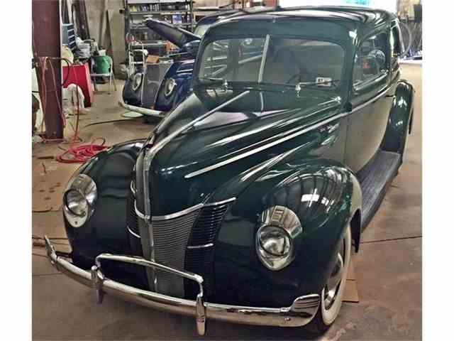 1940 Ford Deluxe | 858272