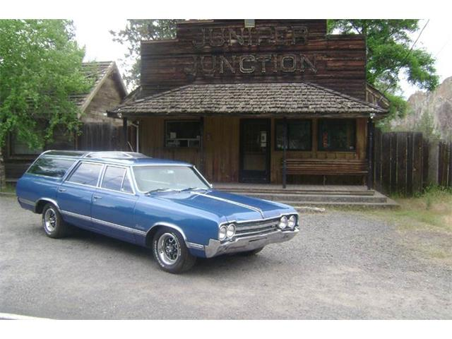 1965 Oldsmobile Custom Cruiser | 861691