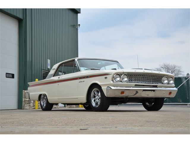 1963 Ford Fairlane 500 | 860236