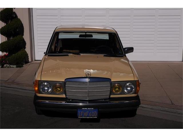 1982 Mercedes-Benz 240D | 865230