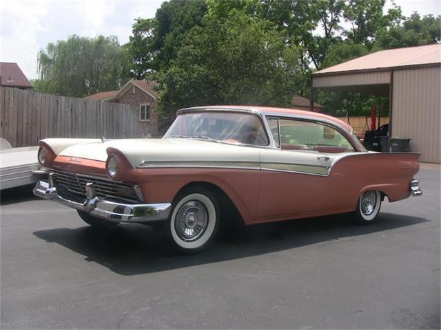 1957 Ford Fairlane 500 | 865686