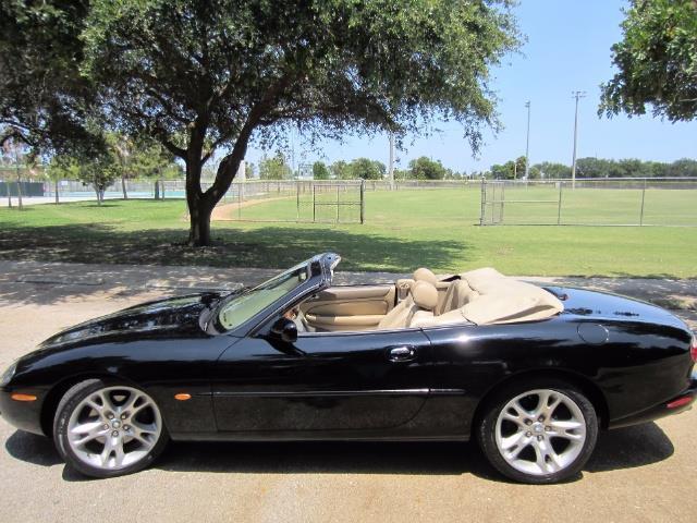 2003 Jaguar XK8 | 866571