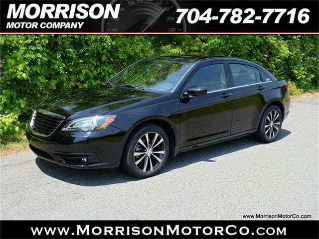 2011 Chrysler 200 | 867725