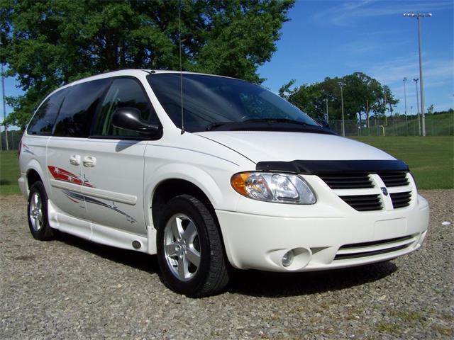 2005 Dodge Grand Caravan Handi   868965