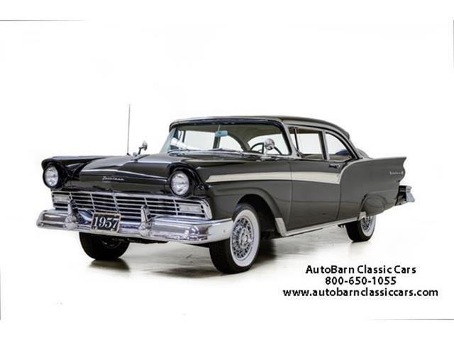 1957 Ford Fairlane 500 | 869303