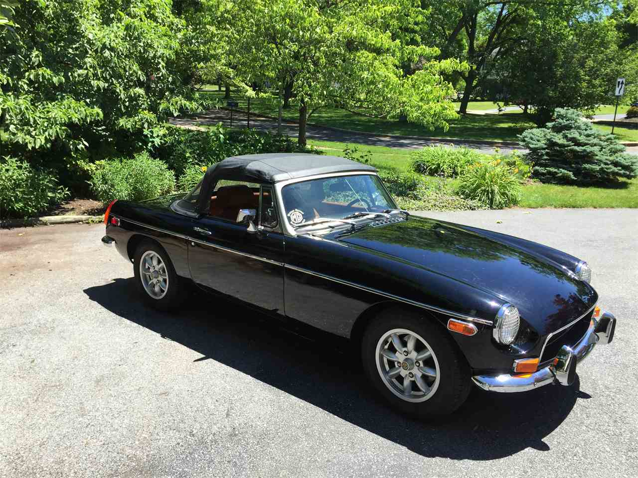 Large Picture of '72 MGB - IO8D