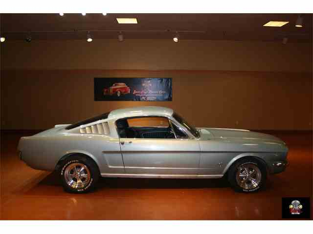 1965 Ford Mustang   873725
