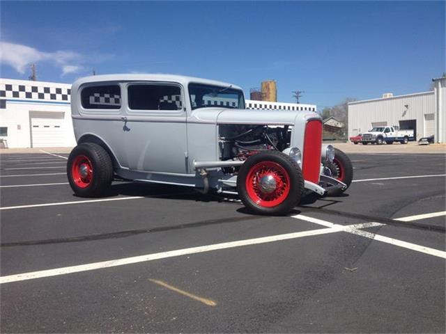 1932 Ford Tudor | 873785