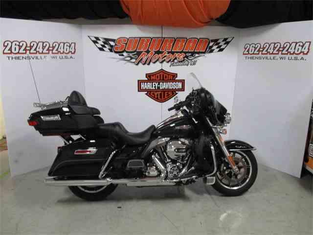 2015 Harley-Davidson® FLHTCU - Electra Glide® Ultra Classic®   874005
