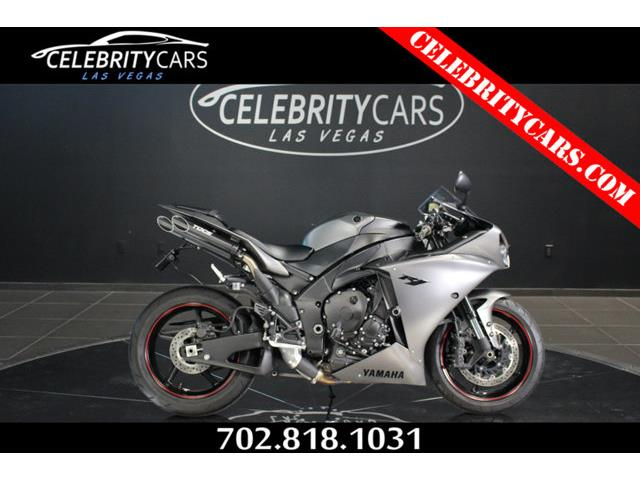 2013 Yamaha YZFR1   R1 | 874913