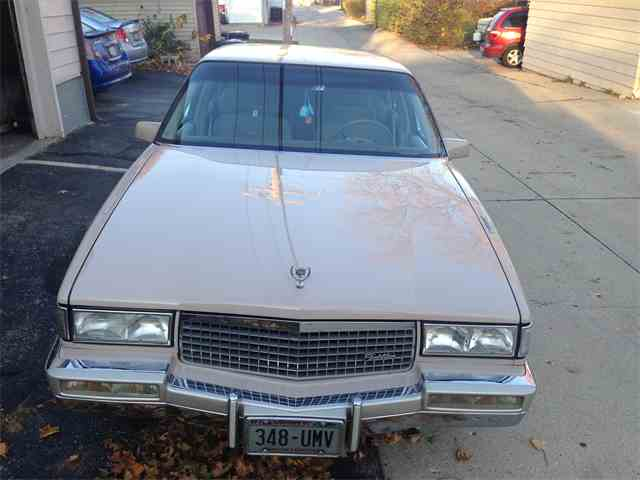 1989 Cadillac Sedan DeVille | 875445