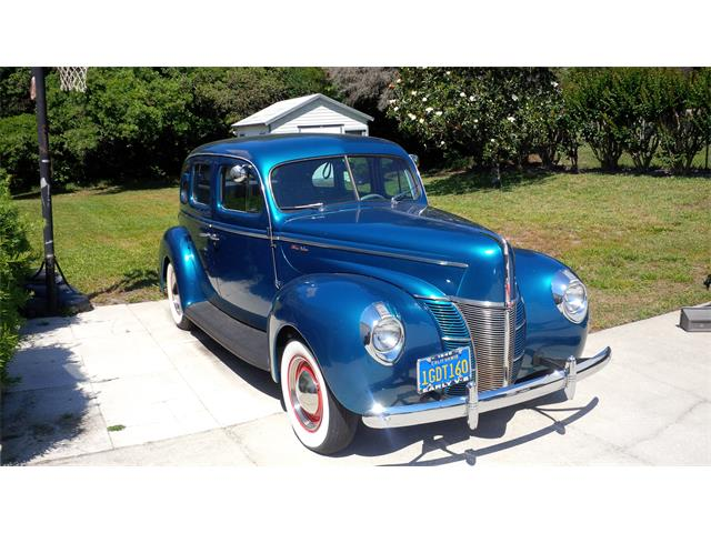 1940 Ford Deluxe | 875476