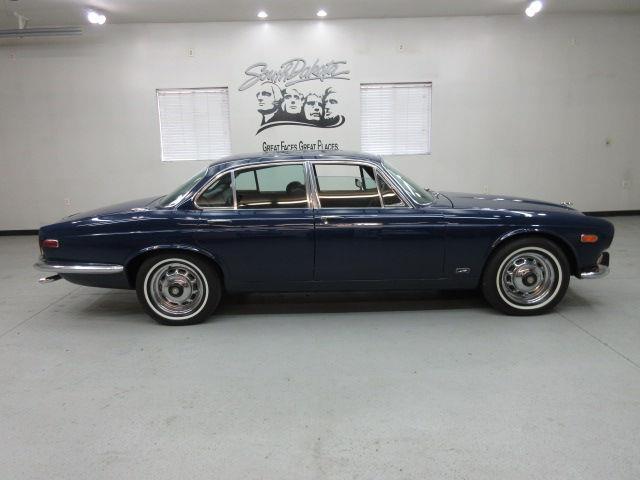 1973 Jaguar XJ6 | 875887