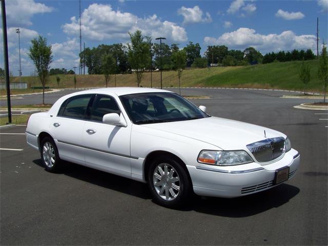 2011 Lincoln Town Car | 875920