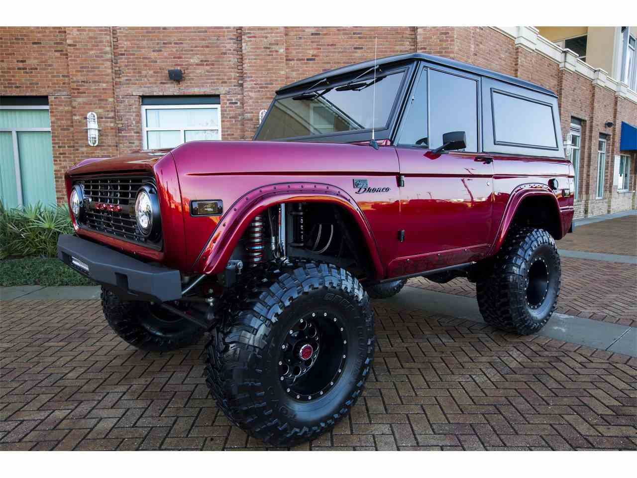 Large Picture of 1976 Bronco - IS6S