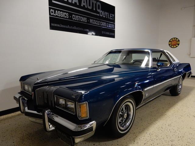 1976 Pontiac Grand Prix | 876647
