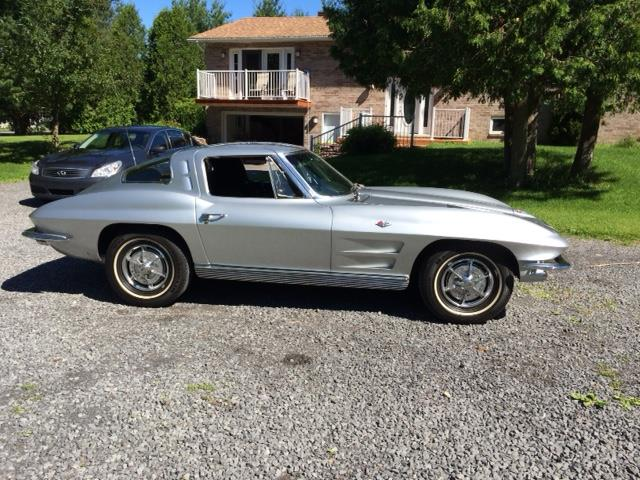 1963 Chevrolet Corvette Stingray | 876665