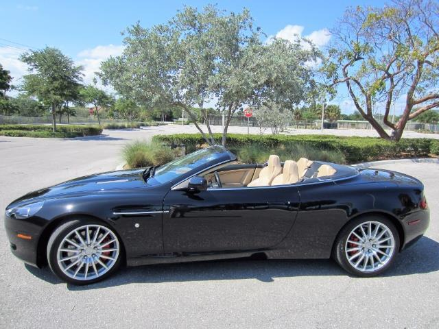 2006 Aston Martin DB9 | 877008