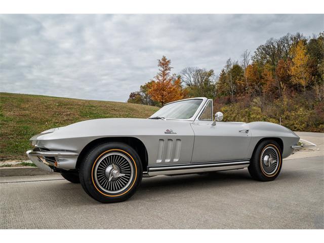 1965 Chevrolet Corvette | 877036
