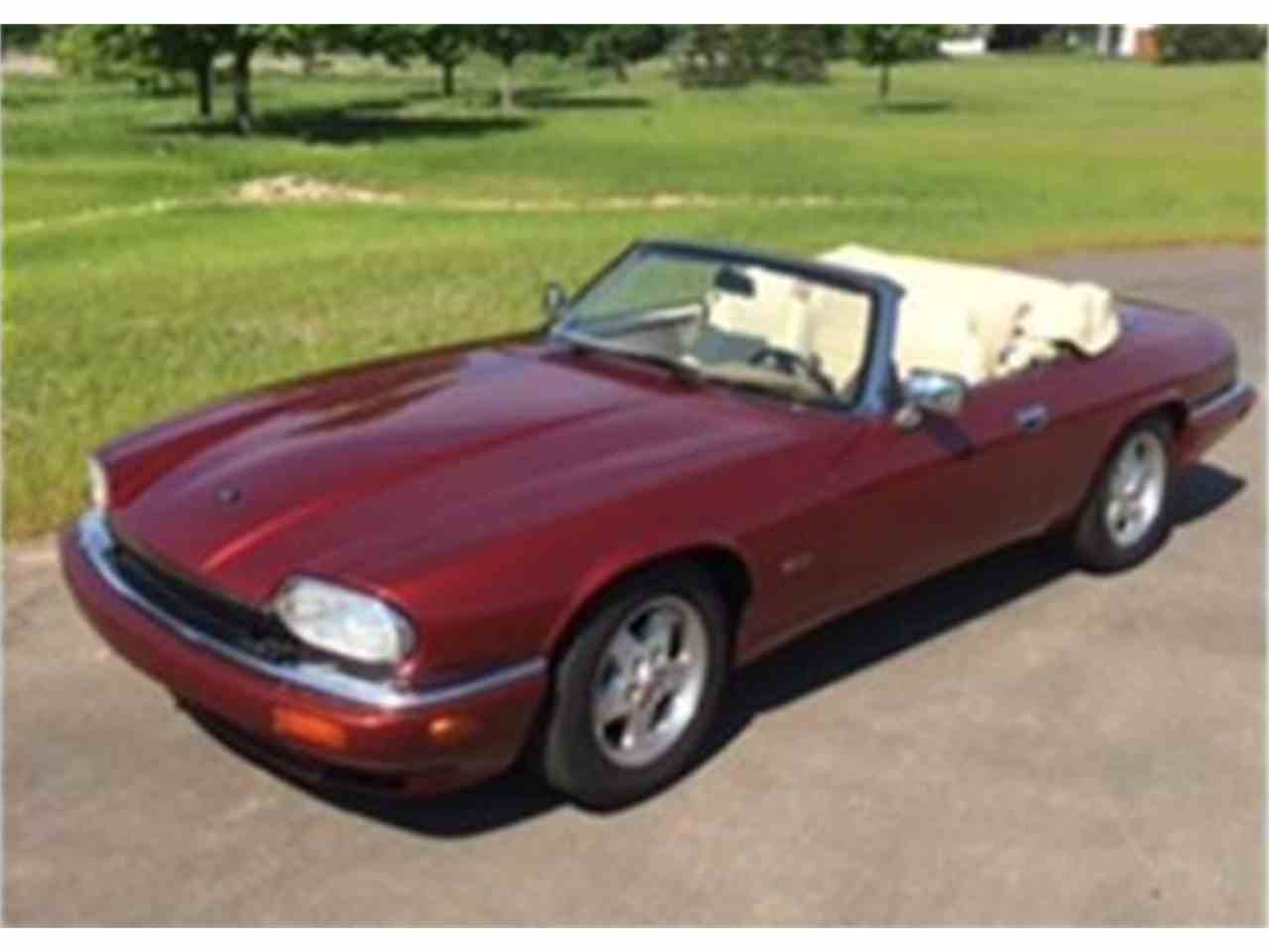 Large Picture of 1995 Jaguar XJS located in Brookfield Wisconsin - $14,000.00 Offered by a Private Seller - ISS5