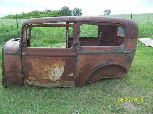 1932 Ford 2-Dr Sedan | 877149