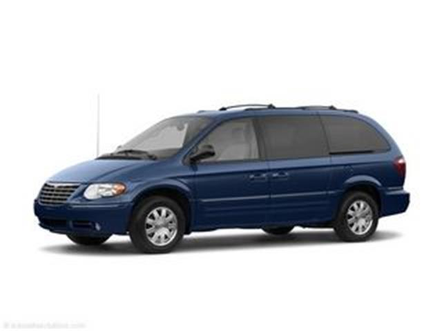 2006 Chrysler Town & country lx | 877221