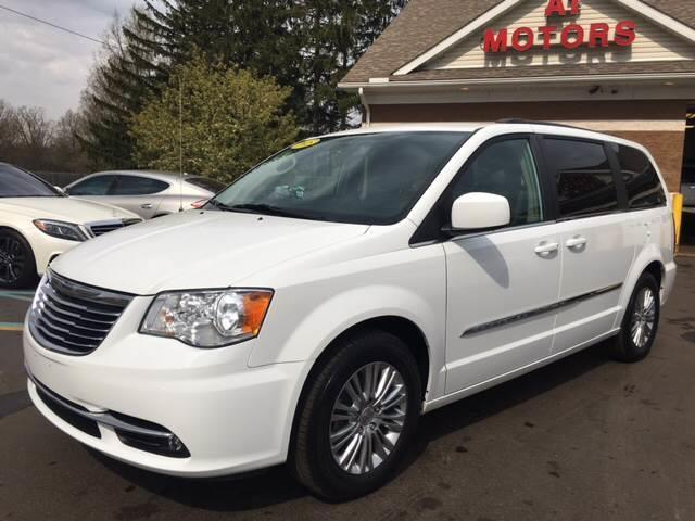 2015 Chrysler Town & Country | 877233