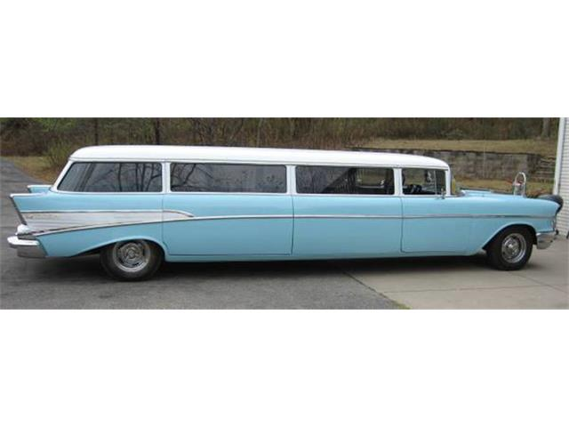 1957 Chevrolet Custom Wagon | 877352