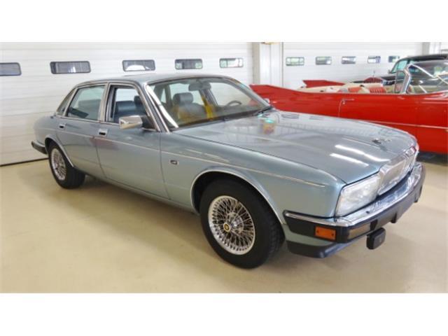 1990 Jaguar XJ6 | 877437