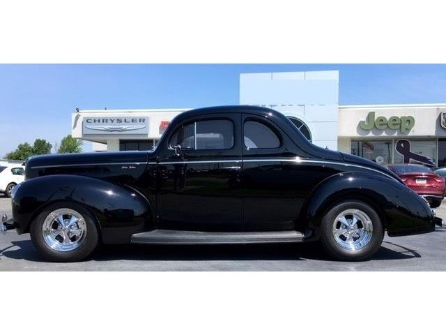 1940 Ford Deluxe | 877922