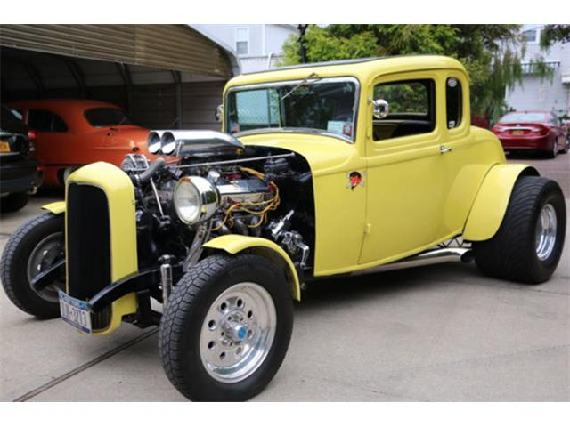 1932 Ford 5-Window Coupe | 878033