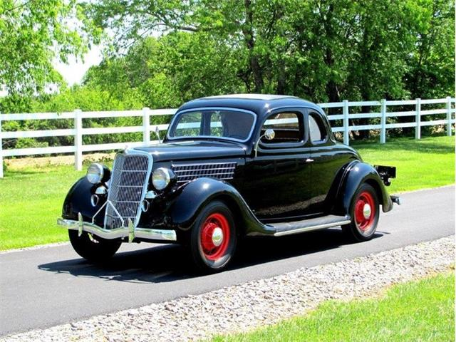 1935 Ford Coupe | 878137