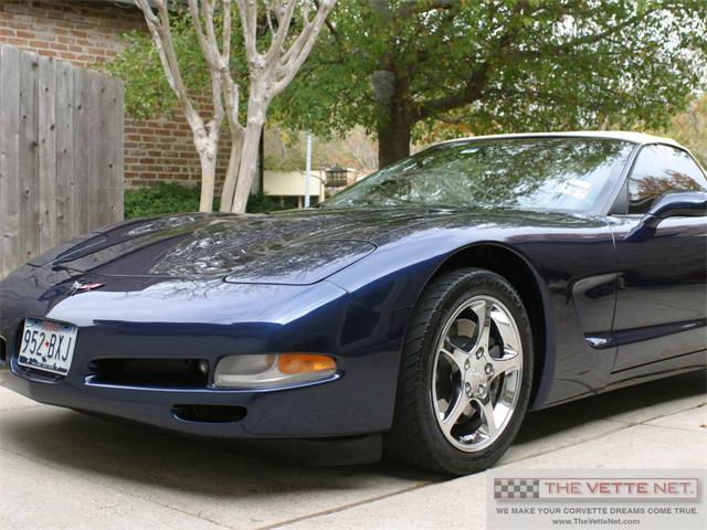 2001 Chevrolet Corvette | 878245