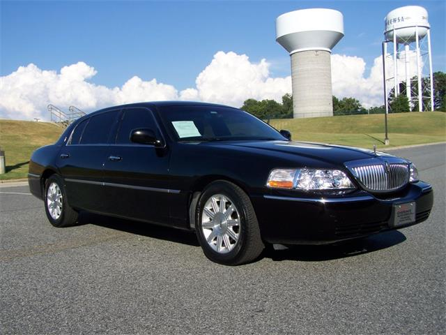 2011 Lincoln Town CAR Executive L | 878428