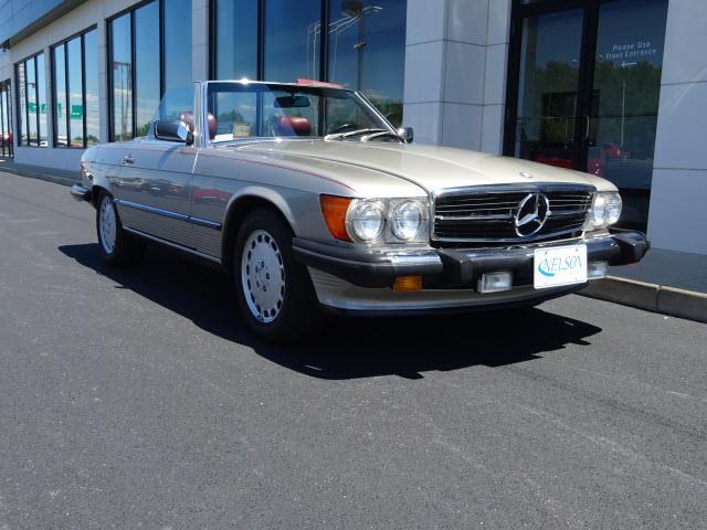 1988 Mercedes-Benz 560 | 878443