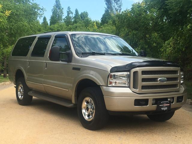 2005 Ford Excursion | 878455