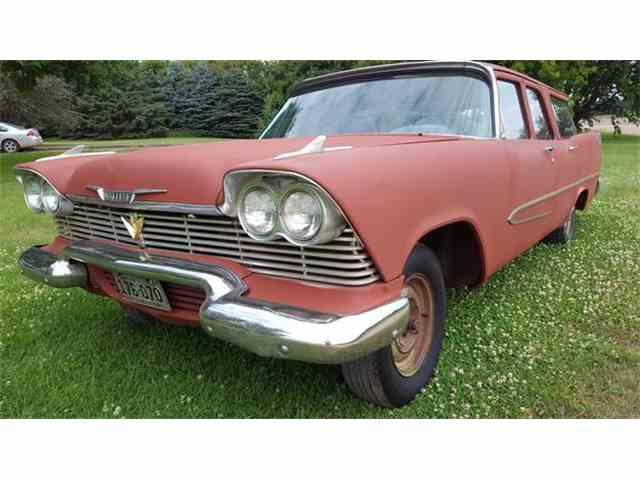 1958 Plymouth Suburban | 878540