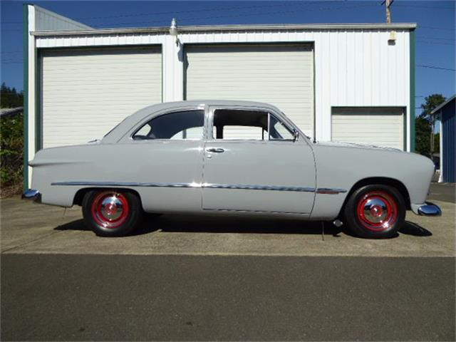 1949 Ford 2-Dr Coupe | 878585