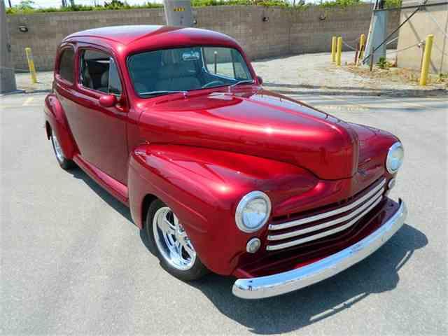 1948 Ford Sedan | 878601