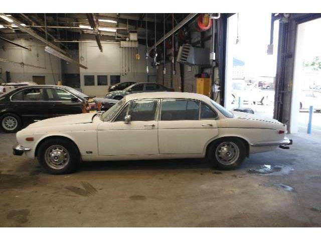 1976 Jaguar XJ12 | 878973