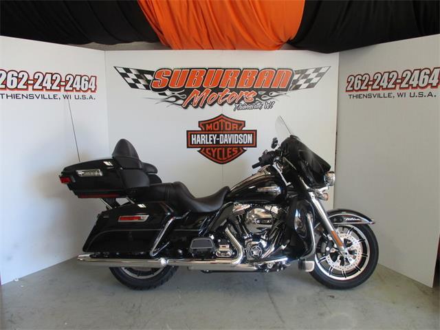 2015 Harley-Davidson® FLHTCU - Electra Glide® Ultra Classic® | 879208