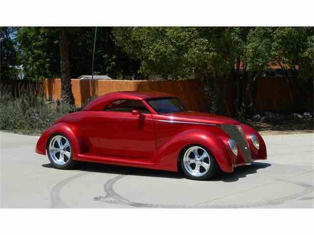 1937 Ford Custom | 879438